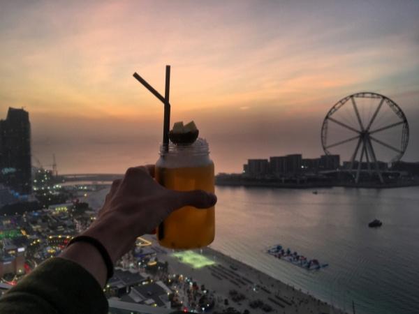 7-day Dubai itinerary -Dubai drinking