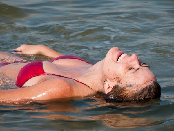 Dead Sea Floating Glowing Skin