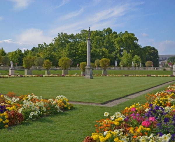 Things to do in Paris alone - visit the Jardins de Luxembourg