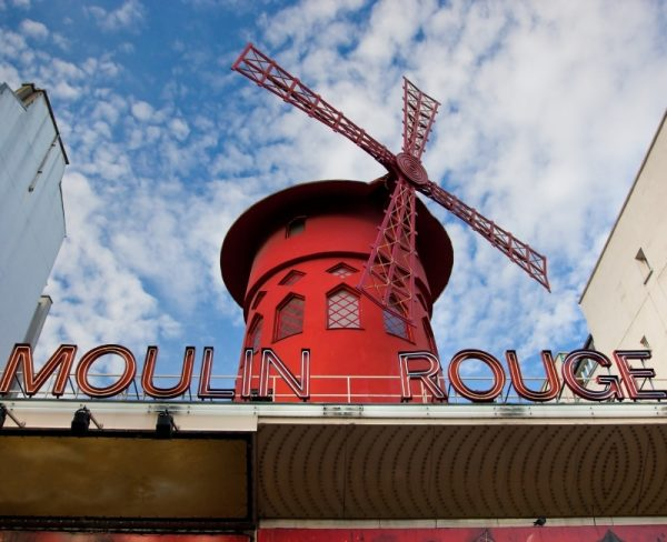 Things to to in Paris Alone Moulin Rouge
